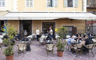 LA CIVETTE DU COURS, Petit-Dejeuner en Terrasse de Restaurant et Bar (deuxieme etape du deconfinement progressif) Vieux Nice FRANCE - 19/05/2021//SYSPEO_sysA012/2105191150/Credit:SYSPEO/SIPA/2105191153