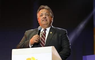 Noubar Afeyan,presidente di Moderna, durante un intervento all'Aurora Forum, in Armenia nel 2019
