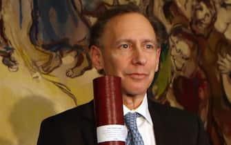 Robert Langer durante la cerimonia del Premio Wolf nel 2013 a Gerusalemme