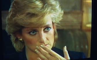 Images tv de Lady Diana sur la B.B.C, lors de l'émission Panorama où elle se livre à une interview-confession. (Photo by Mathieu Polak/Sygma/ Sygma via Getty Images)V