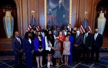 La famiglia di George Floyd incontra Nancy Pelosi al Campidoglio