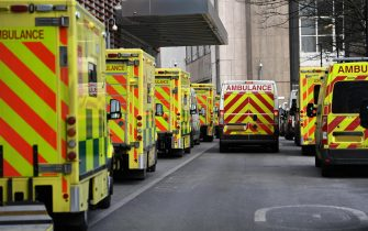 epa09009143 Ambulances outside the Royal London hospital in London, Britain, 13 February 2021. Britain's National health service (NHS) has been under sever pressure even as Covid-19 hospital admissions continue to fall across the UK.  EPA/ANDY RAIN