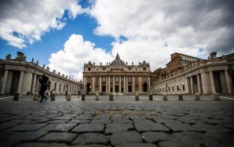 A view of the deserted St Peter's square during Pope Francis's private Regina Coeli prayer due to the Coronavirus (COVID-19) pandemic emergency, at the Vatican, 05 April 2021. ANSA/ANGELO CARCONI