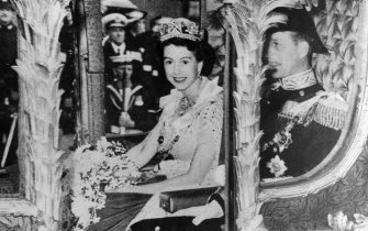Queen Elizabeth II during her coronation. 1953. (Photo by: Universal History Archive/Universal Images Group via Getty Images)