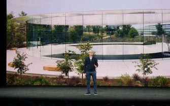 Apple CEO Tim Cook presents the newest products of the company at the Steve Jobs Theatre of the Apple Park, the new company headquarters of the iPhone manufacturer in Cupertino, US, 12 September 2017. - NO WIRE SERVICE - Photo: Christoph Dernbach/dpa