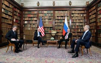 epa09275946 US President Joe Biden (2-L), US Secretary of State Antony Blinken (L) and Russian President Vladimir Putin (2-R), Russian Foreign Minister Sergei Lavrov (R) during their meeting at the US - Russia summit at the Villa La Grange, in Geneva, Switzerland, 16 June 2021. US President Biden and Russian President Putin meet in Geneva on 16 June for face-to-face talks.  EPA/MIKHAIL METZEL/SPUTNIK/KREMLIN POOL / POOL MANDATORY CREDIT