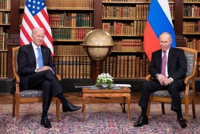 """Usa Weekly News, il primo incontro """"costruttivo"""" tra Biden e Putin"""