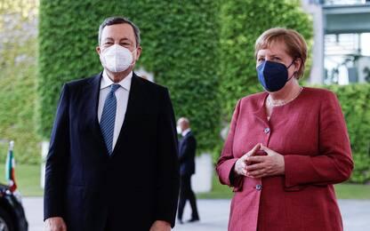 """Covid, Draghi-Merkel: """"Cauti sull'evoluzione della pandemia"""""""