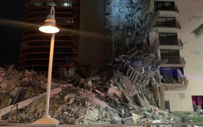 Miami, crolla un palazzo di 12 piani: si temono vittime