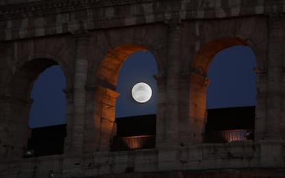 """Stasera la Superluna """"di fragola"""": quando e come vederla"""