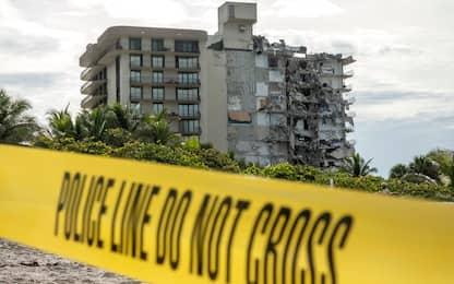 Crollo palazzo Miami, almeno un morto. Sono 99 le persone disperse