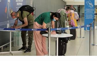 Covid: da oggi tampone e quarantena per arrivi da GB Aeroporto di Roma Leonardo da Vinci