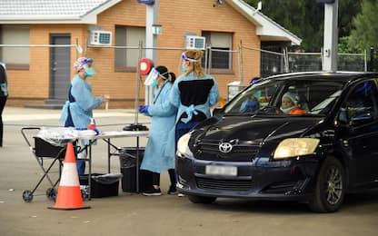 Covid, nuovi contagi nel mondo: record di casi a Sydney e Tokyo