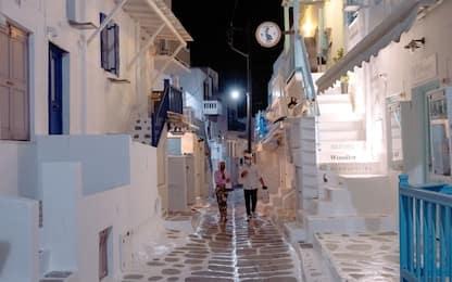 Covid Grecia: coprifuoco notturno di 5 ore a Mykonos dal 26 luglio