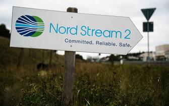 cartello che indica il gasdotto nord stream 2
