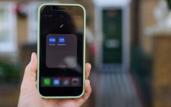 Icone delle app dell'NHS sullo schermo di uno smartphone