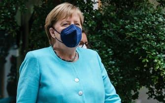 La cancelliera tedesca Angela Merkel arriva per la sua conferenza stampa annuale al Bundespressekonferenz a Berlino, Germania, 22 luglio 2021