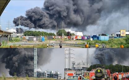 Germania, esplosione in stabilimento a Leverkusen: nube di fumo nero