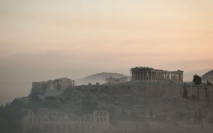 Incendi in Grecia, fiamme minacciano Nord di Atene. LE FOTO