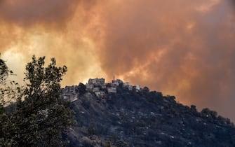 Uno degli incendi che hanno colpito l'Algeria nell'agosto 2021