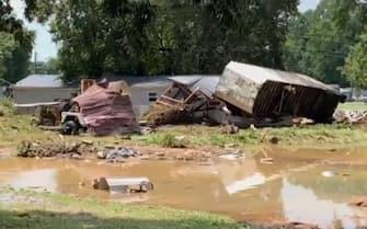 Tetti divelti dall'alluvione in Tennessee