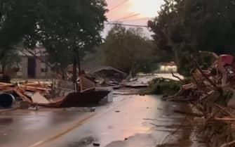 I danni alle abitazioni causati dall'alluvione nel Tennessee