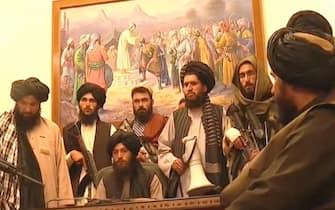 AL JAZEERA (TALEBANI NEL PALAZZO PRESIDENZIALE)