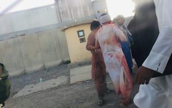 Kabul: attentato kamizake all'aeroporto. Un ferito