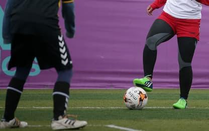 Afghanistan, nazionale giovanile di calcio femminile fugge in Pakistan