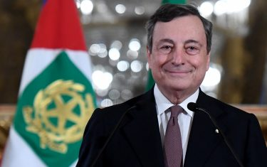 ROME, ITALY - FEBRUARY 12: Italian Designated Prime Minister Mario Draghi speaks to media to announce the list of Ministers forming the new Italian Government, following a meeting with Italian President Sergio Mattarella at Quirinale Palace, on February 12, 2021 in Rome, Italy.  (Photo by Alessandro Di Meo/AM POOL/Getty Images)