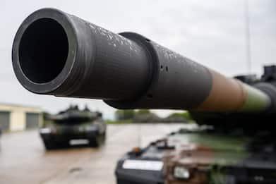 Ufficiale inglese in pensione truffava musei, rubati tre carri armati