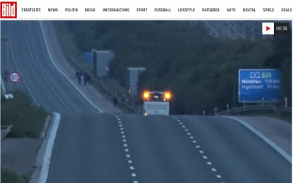 Germania, passeggero prende ostaggi su un autobus: arrestato