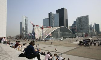 People enjoy the sunny weather on La Defense despite the Coronavirus Pandemic in Paris, France, on April 01, 2021. Critical care doctors in Paris say surging coronavirus infections could soon overwhelm their ability to care for the sick in the French capital hospitals, possibly forcing them to choose which patients they have the resources to save. President Macron is expected to give a TV speech on Wednesday detailing possible new restrictions to fight Covid-19. Photo by Jerome Domine/ABACAPRESS.COM