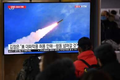 "Corea del Nord, nuovo lancio missilistico. Pyongyang: ""Diritto a test"""
