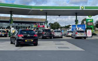 BGUK_2227077 - Stockton on Tees, UNITED KINGDOM  - Asda in Portrack Stockton has had to close due to no fuel.   Tesco Extra in Stockton on Tees has ran out of Diesel as customers start panic buying fuel in Stockton, Teesside. UK  Pictured: GV: Busy Fuel Stations across North East, UK  BACKGRID UK 24 SEPTEMBER 2021   BYLINE MUST READ: TERRY BLACKBURN / BACKGRID  UK: +44 208 344 2007 / uksales@backgrid.com  USA: +1 310 798 9111 / usasales@backgrid.com  *UK Clients - Pictures Containing Children Please Pixelate Face Prior To Publication*