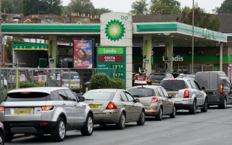 Vehicles queue up outside a BP petrol station in Alton, Hampshire. Picture date: Thursday September 30, 2021. (Photo by Andrew Matthews/PA Images via Getty Images)