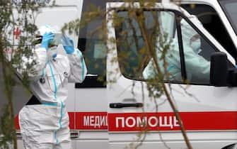 Operatori sanitari impegnati nell'emergenza Covid in Russia