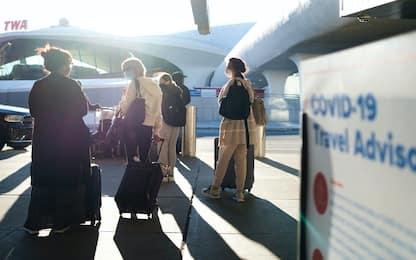 Covid, Usa riaprono l'8 novembre a viaggiatori completamente vaccinati