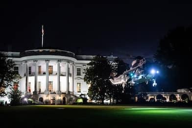Usa Weekly News, Biden celebra Madam VP e Trump lancia il suo social