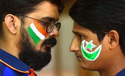 Arrestati tre studenti indiani del Kashmir perché tifavano Pakistan