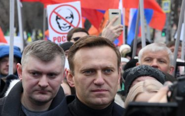Russian opposition leader Alexei Navalny takes part in a march in memory of murdered Kremlin critic Boris Nemtsov in downtown Moscow on February 29, 2020. (Photo by Kirill KUDRYAVTSEV / AFP) (Photo by KIRILL KUDRYAVTSEV/AFP via Getty Images)
