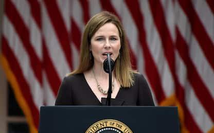 Corte Suprema, chi è la nuova giudice Amy Coney Barrett