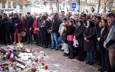 attentati parigi hero