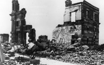 6th August 1945:  A building stands in ruins after the atomic bomb blast at Hiroshima.  (Photo by Keystone/Getty Images)