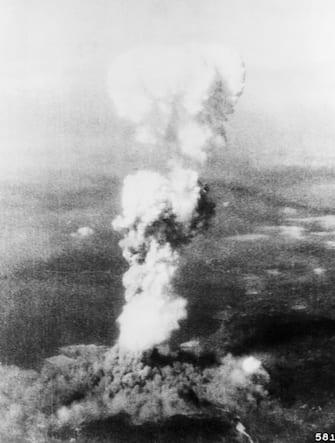 8/6/1945-Hiroshima, Japan: Mushroom cloud from atom bomb blast at Hiroshima.  Filed 8/11/1945.
