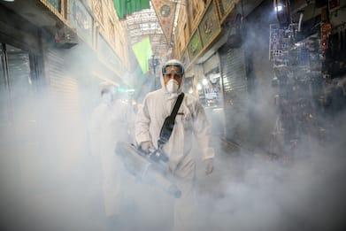 Coronavirus Iran, a Teheran fotografo racconta l'emergenza. FOTO