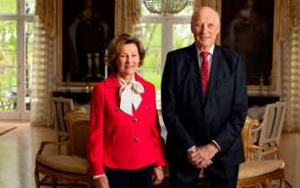 Queen Sonja of Norway and King Harald of Norway pose in the garden room of the royal estate in Oslo, Norway on May 16, 2020, on the eve of the Norwegian National Day. - Queen Sonja of Norway and King Harald of Norway prepare to celebrate the national day on May 17 at the royal estate, and not at the Palace as they normally do. This is because of the corona epidemic. (Photo by Erik EDLAND / NTB SCANPIX / AFP) / Norway OUT (Photo by ERIK EDLAND/NTB SCANPIX/AFP via Getty Images)