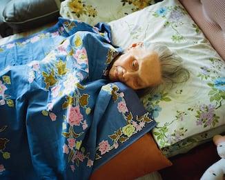 Fotografare l'Alzheimer per non dimenticare. Immagini di Anne Moffat