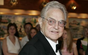 WASHINGTON - APRIL 29:  Financier George Soros arrives at the White House Correspondents' Dinner April 29, 2006 in Washington, DC.  (Photo by Joshua Roberts/Getty Images)
