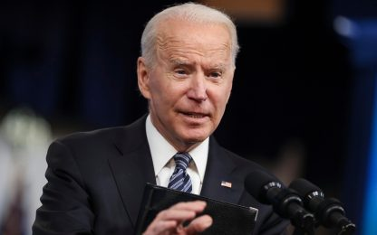 """Joe Biden, vescovi Usa verso """"scomunica"""" per tema aborto"""